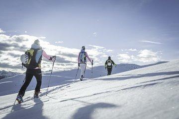 Skitouren gehen im Berghotel Alpenfrieden im Ahrntal. ©TVB Kronplatz/ Manuel Kottersteger