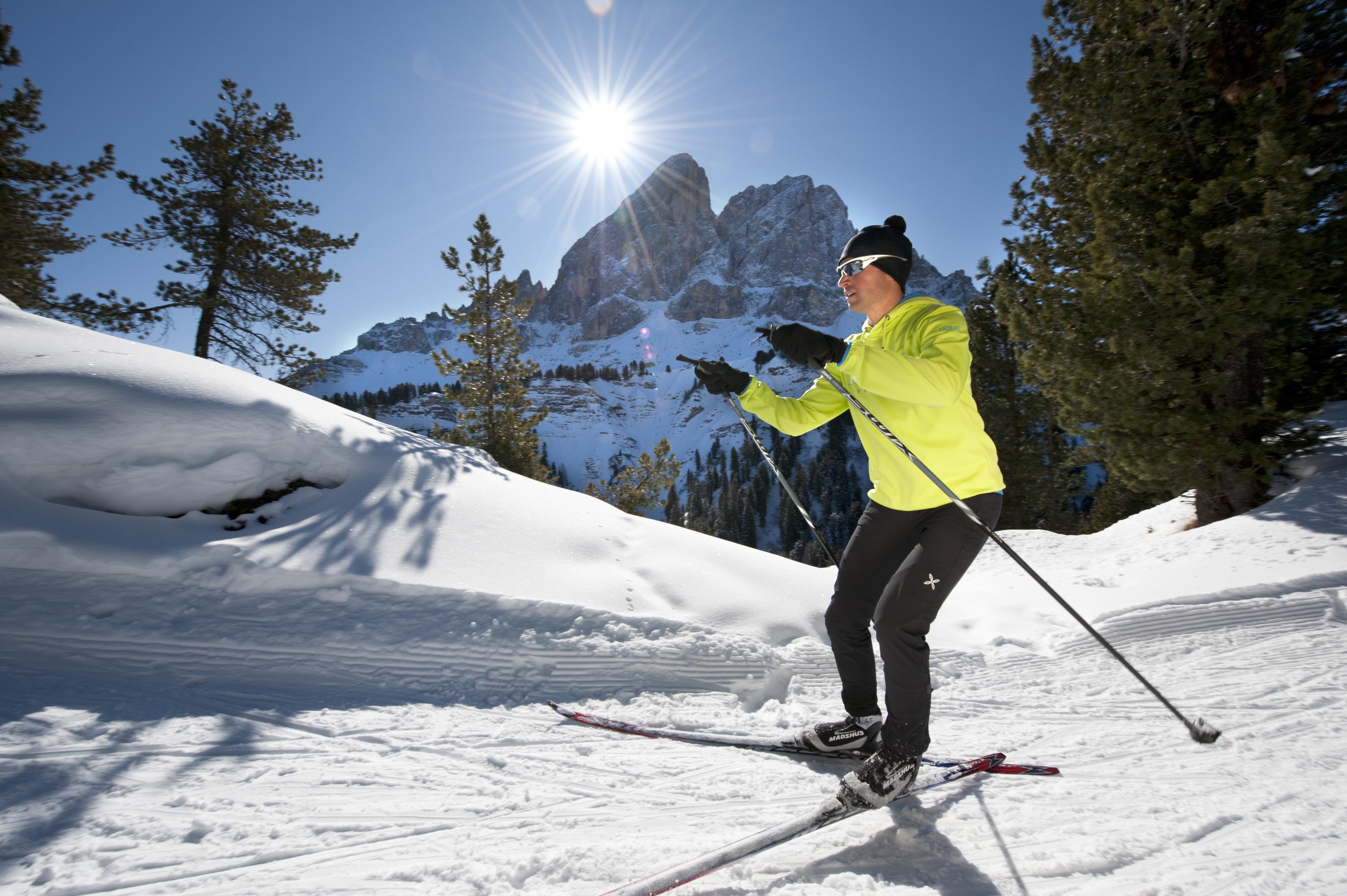 Langlaufen in Weißenbach: Im Berghotel Alpenfrieden im Ahrntal werden Sporturlaube wahr. ©TVB Kronplatz, Helmuth Rier